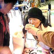 おばさん 帽子と万能掛けパット.png