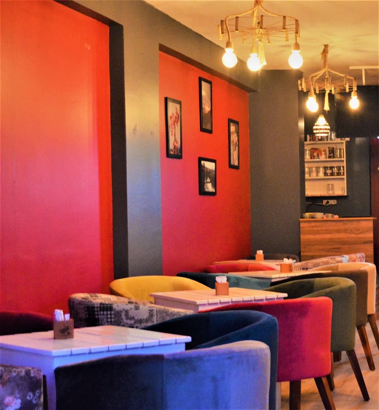 Cafe in (4)