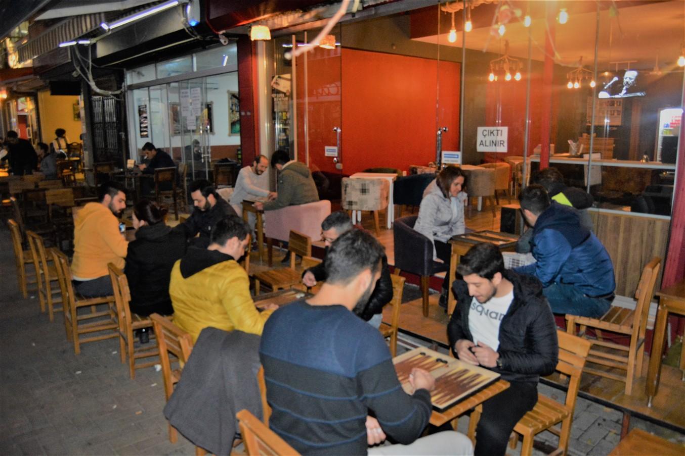 Cafe in (13)