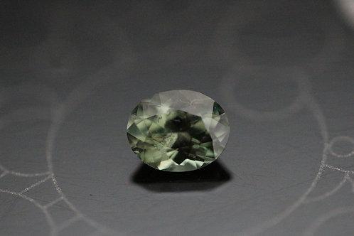 Saphir vert-jaune ovale -  0.99 carat - Madagascar