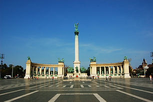 Heroes_Square,_Budapest.jpg