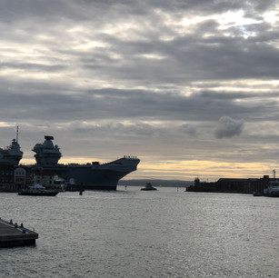 HMS Queen Elizabeth coming into Portsmouth Harbour
