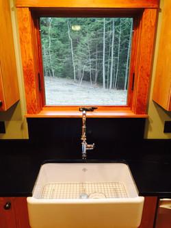 Farmhouse sink / granite tops