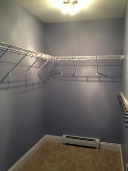 Closet shelving