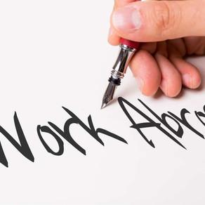 """חוסכים כסף ואפילו נהנים: במה סטודנטים יכולים לעבוד בחו""""ל בזמן התואר?"""