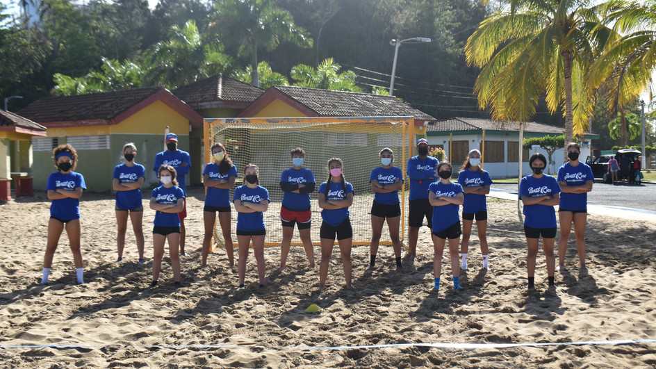 ALL SMILES, AS HANDBALL RETURNS TO THE BEACHES OF PUERTO RICO