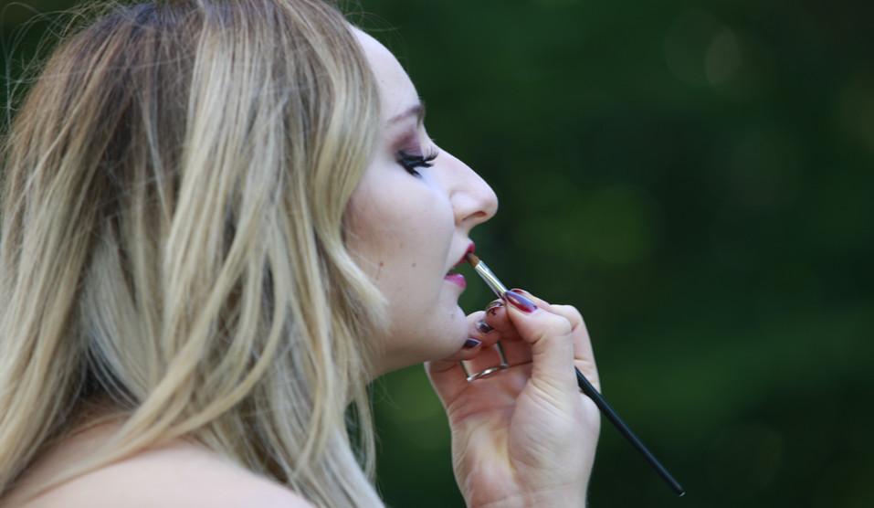 outdoor Make-up