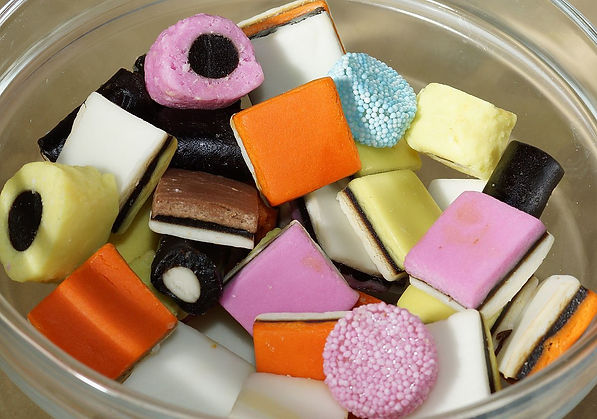 Liquorice_Allsorts_in_a_glass_bowl.jpg