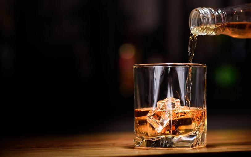Whisky_Drinks_Highball_glass_Ice_525452_