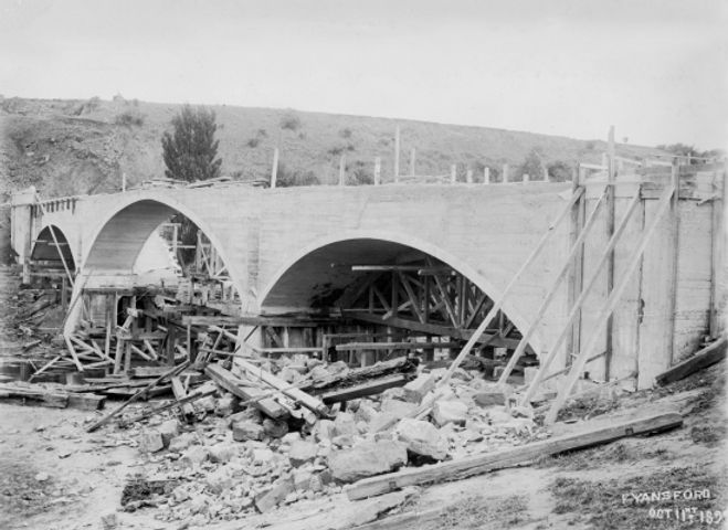 4 Fyansford bridge under construction 18