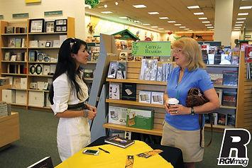 Susanna Maddrigal A Cat's Tale book club at Barnes & Noble in McAllen TX