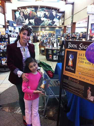 Susanna Maddrigal autograph signing of A Cat's Tale at Barnes & Noble in Austin