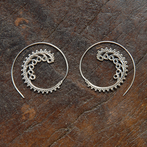 Loop Wave Spiral Hoops