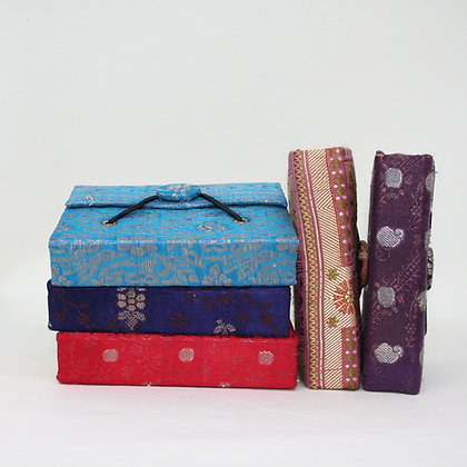 Sari Button Note Book