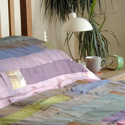 Mauve Sari Bedspread Single
