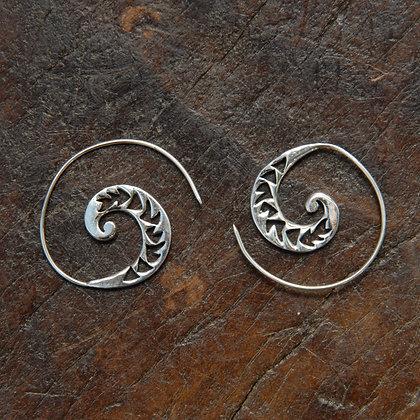 Carved Arrow Spiral Hoops