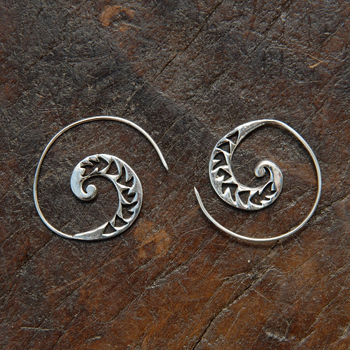 Carved Arrow Spiral Hoops