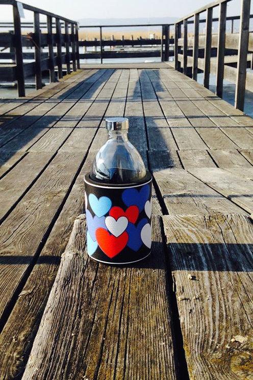 Glastrinkflasche HERZEN BLACK 0,54l Produktlinie I LOVE AUSTRIA
