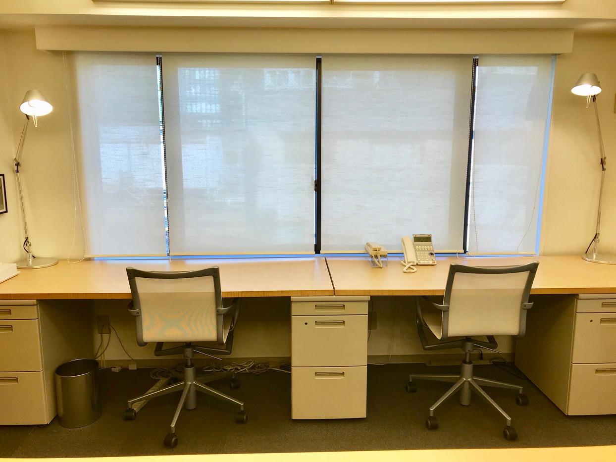 オフィスデスク、チェア、キャビネット