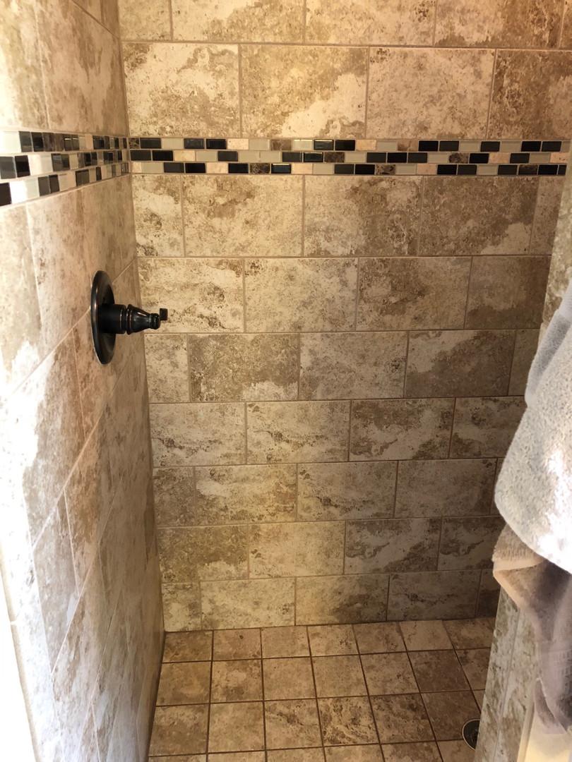 Clean Shower - Padegenis Cleaning - Clea