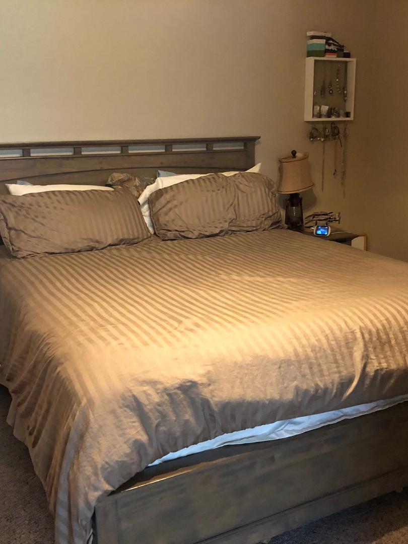 Clean Master Bedroom - Padegenis Cleanin