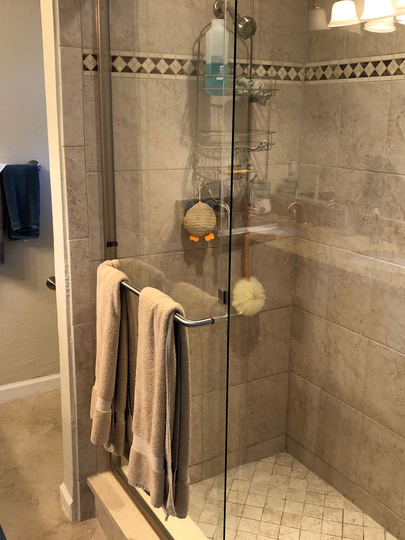 Clean Shower in Mims - Padegenis Cleanin