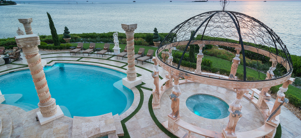 Roman-Swimming-Pool-Statues-Port-Ritchey-web-4039.jpg