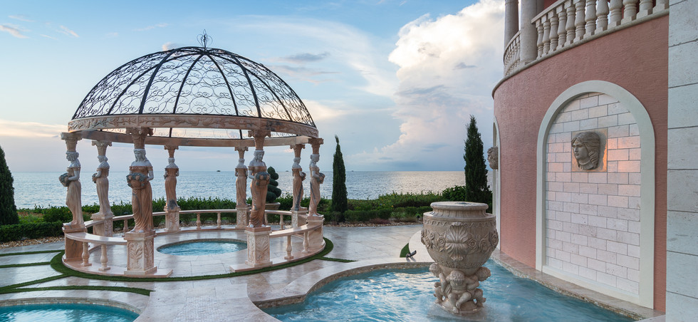 Roman-Swimming-Pool-Statues-Port-Ritchey-web-4032.jpg