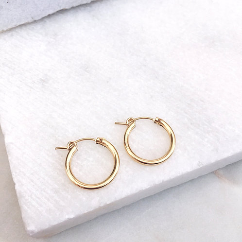 Minimalist hoops earrings