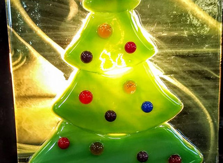 Holiday Fun at BrydgeWorks Glass