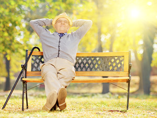 The Benefits & Dangers of Sunlight for Seniors