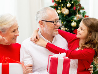How to Make the Holiday Season Special in a Senior Living Community