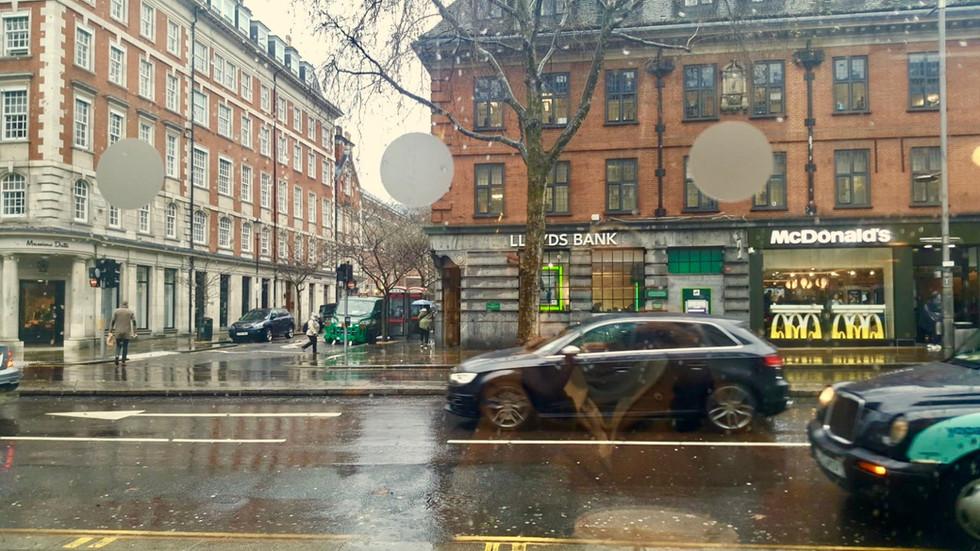 비오는 날 오후 (A rainy day afternoon)