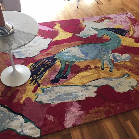 Flying Horse: Hand geknüpfter Teppich - Ein bleibendes Andenken und Kunstwerk