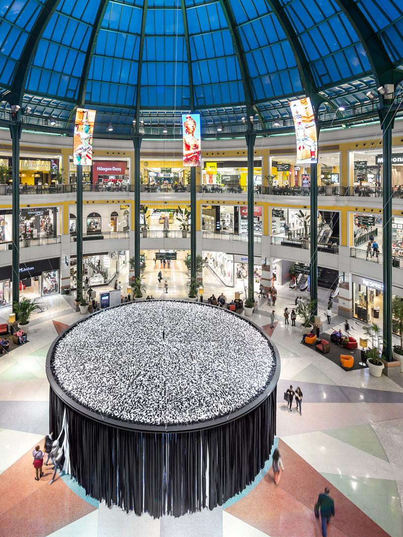 wonderWALL-by-LIKEarchitects-lisbon-colombo-shopping-mall-designboom-09.jpg