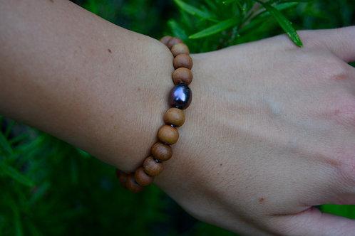 The Sandalwood Bracelet: 1 Pearl