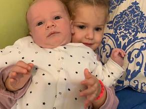 משכב לידה עם שני ילדים
