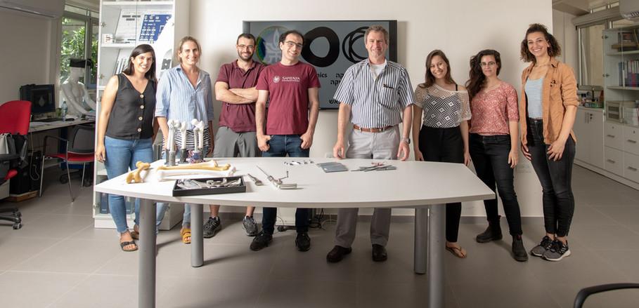 CM&EBM Lab 2020 – Left to Right: Gal, Shani, Kuti, Maxime, ZY, Shirly, Vered, Leetal (Photo by J Birenboim)