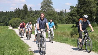 Aug 2009 – A bicycle trip with Ernst's group to Andecs, near Munich, Germany  Left - Martin, Ernst…. Zohar…   Right – Ernst and Martin lead.