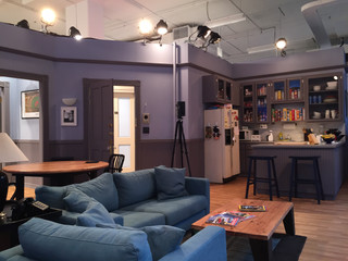 We Create a 3-D Model Of The Seinfeld Set!
