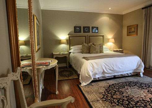 Luxury room 3.jpg
