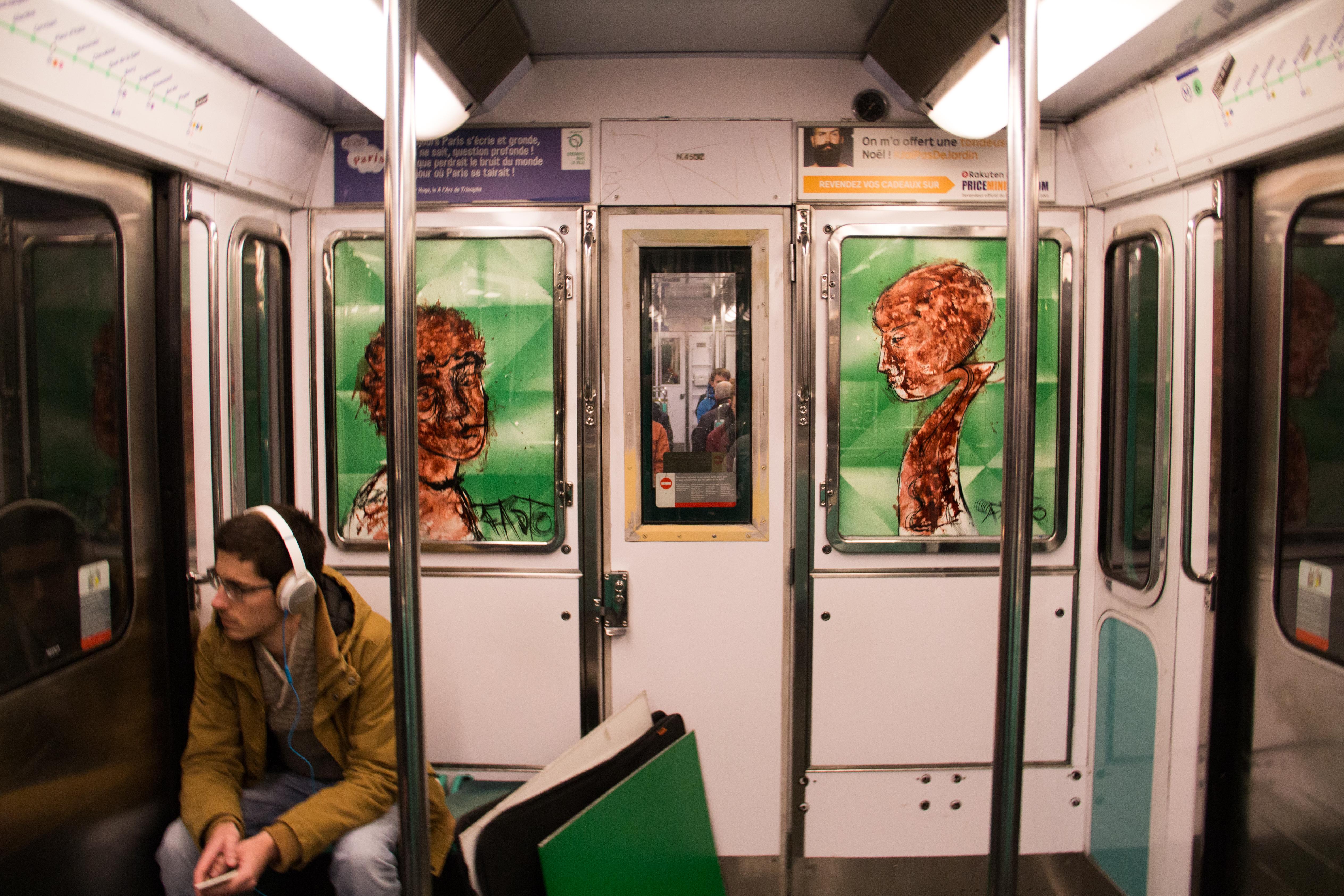 Expo dans le métro
