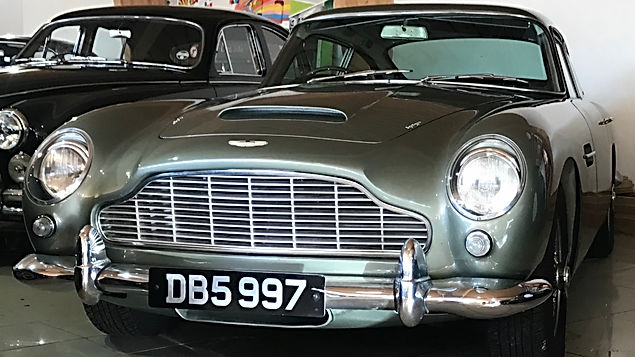 Aston martin DB5 1965 (Sage Green)