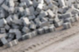 Bezug von Baumaterial  Transporte  Fahrzeug- und Gerätemiete  Diverse Entsorgungen  Bauleitung