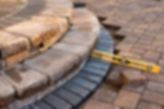 Vorplätze  Umgebungsarbeiten  Schwimmbäder / Schwimmteiche  Trockenmauern aus Naturstein  Aussentreppe / Blockstufen / Stell- und Wassersteine  Fundationen für Wintergärten  Kleinere Natursteinpflästerung  Versetzen von Regenwassertanks