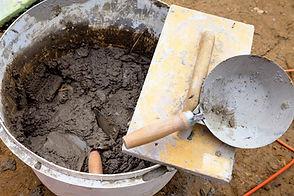 Um- und Ausbauten aller Art  Renovationen  Küchen und Badezimmersanierungen  Vorarbeiten für Wärmepumpeneinbau  Kaminsanierung  Fundationen für Wintergärten  Kleinbauten aller Art  Diverse Kundenmaurerarbeiten