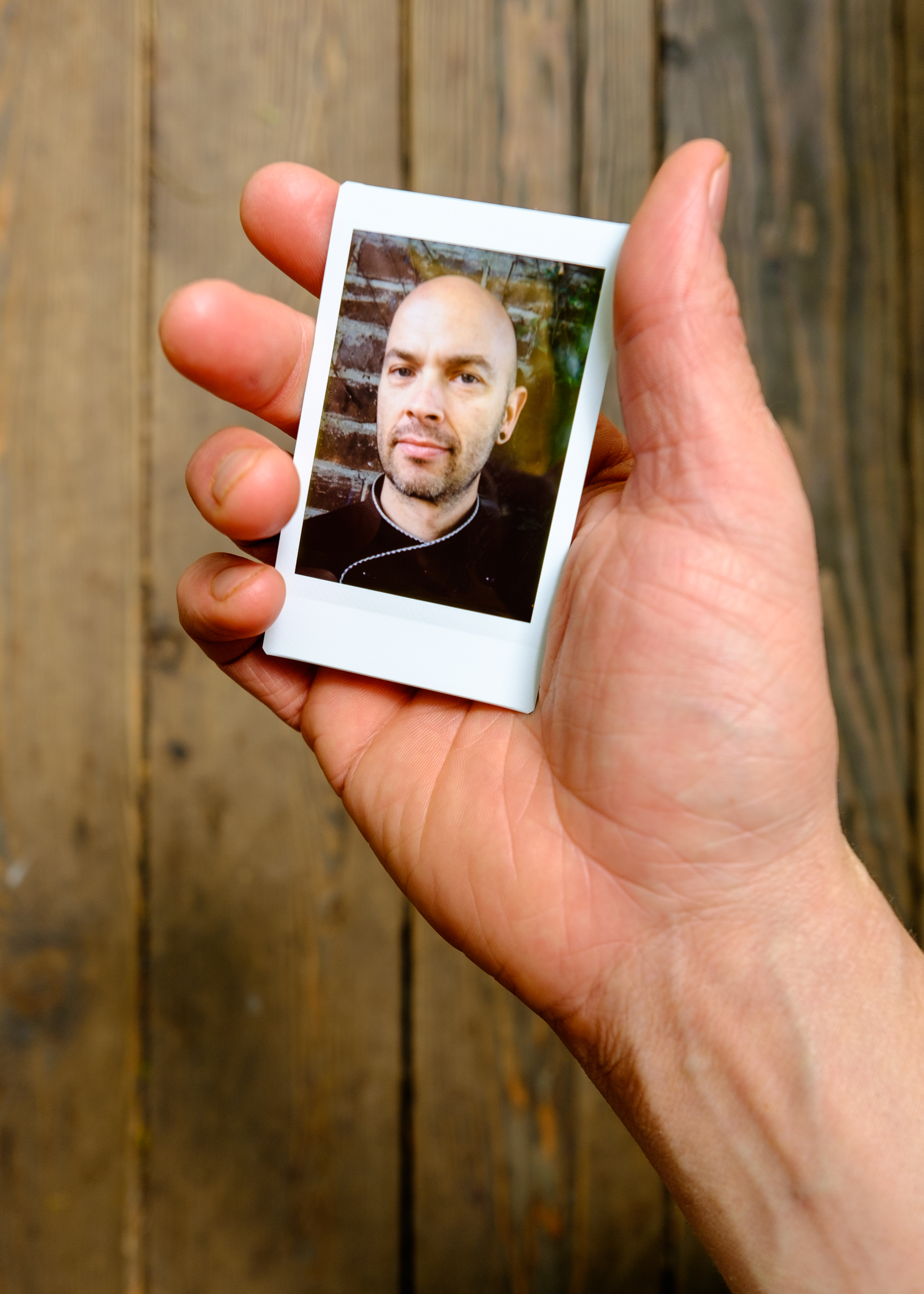 Olivier Bourget portrait dans la main-71