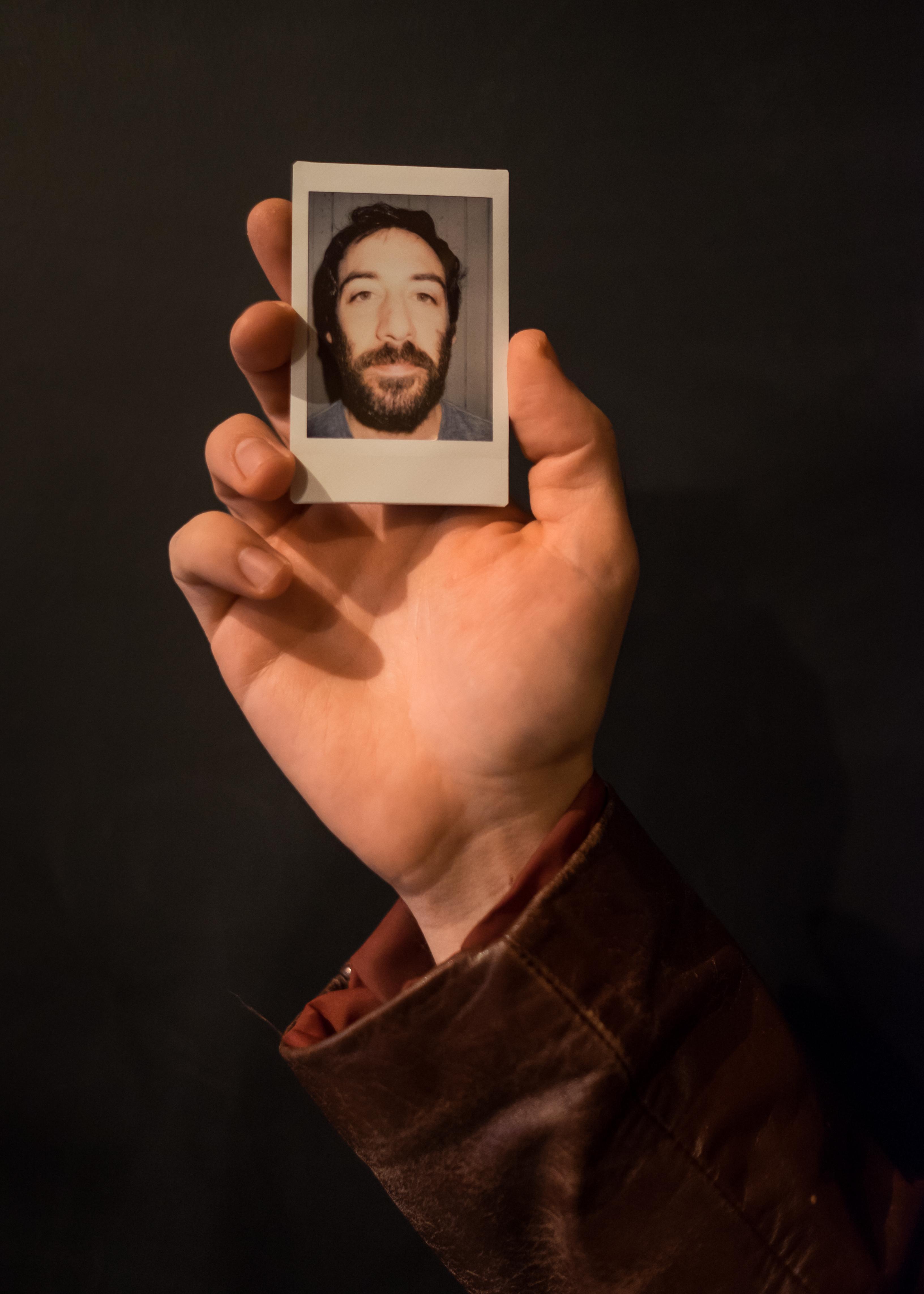 Olivier Bourget portrait dans la main-91