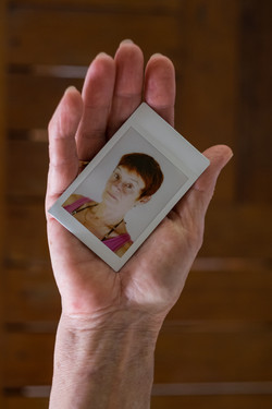 Olivier Bourget portrait dans la main-98