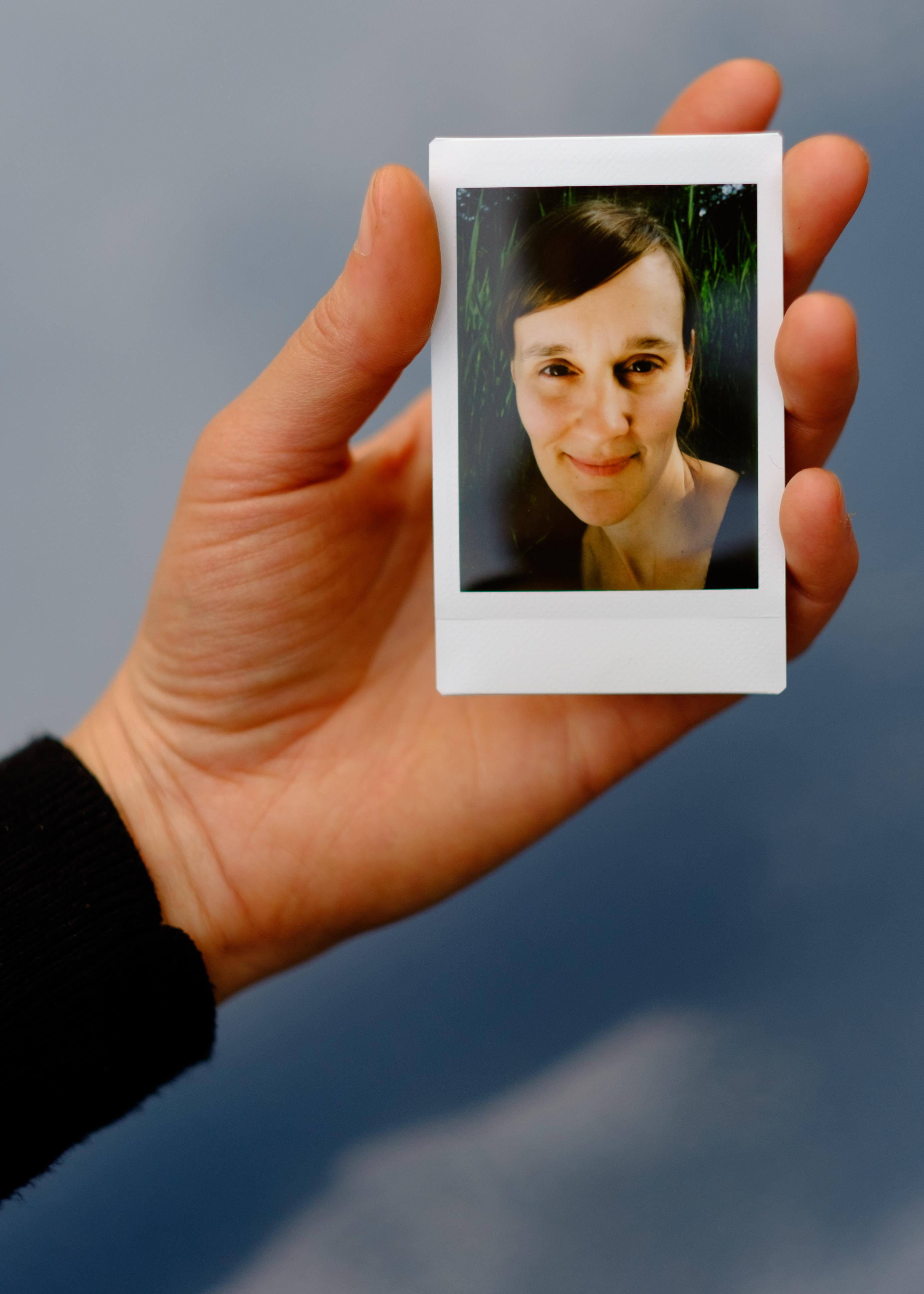 Olivier Bourget portrait dans la main-36